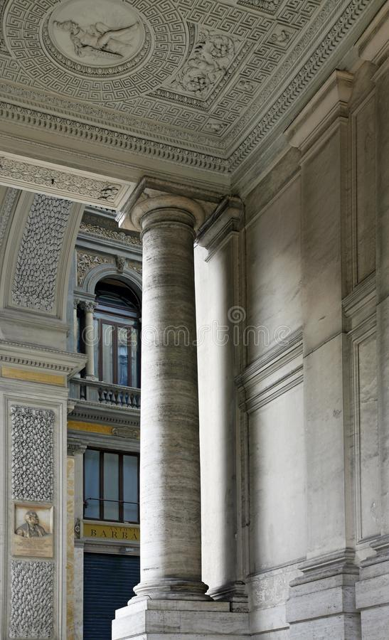 Λεπτομέρεια Galleria Umberto στη Νάπολη - την Ιταλία στοκ εικόνες