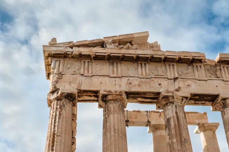 Λεπτομέρεια Parthenon με την ακρόπολη αγαλμάτων στην Αθήνα Ελλάδα στοκ φωτογραφίες