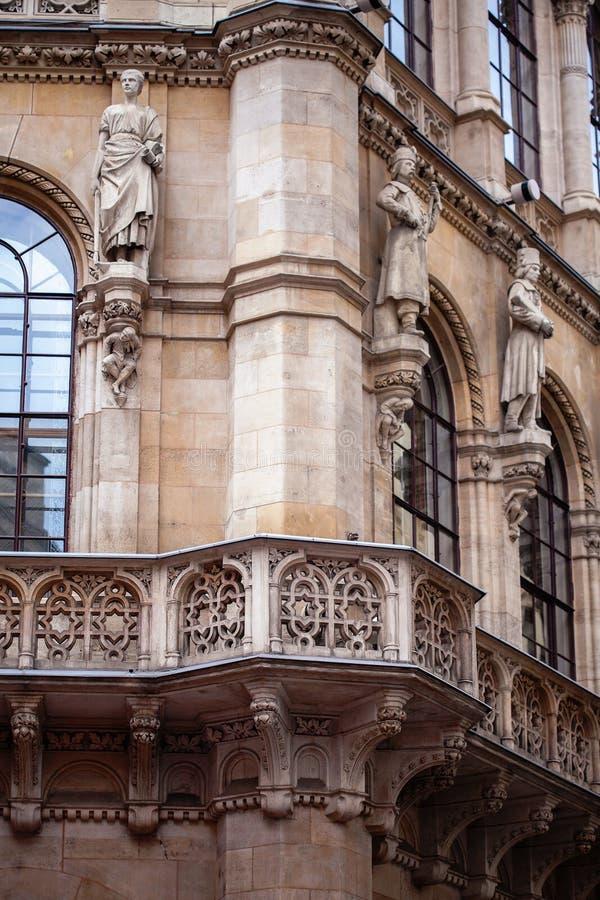 Λεπτομέρειες από τη στέγη και τον πύργο του Stephansdom - εκκλησία του ST Stephans E στοκ εικόνα με δικαίωμα ελεύθερης χρήσης