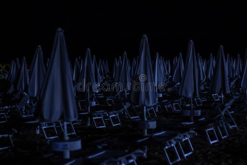 Λεπτομέρειες παραλιών νύχτας, jesolo για να αποφύγουν τις πράξεις βίας ή το βανδαλισμό, μερικές πόλεις παραλιών έχουν εξοπλίσει τ στοκ εικόνες με δικαίωμα ελεύθερης χρήσης