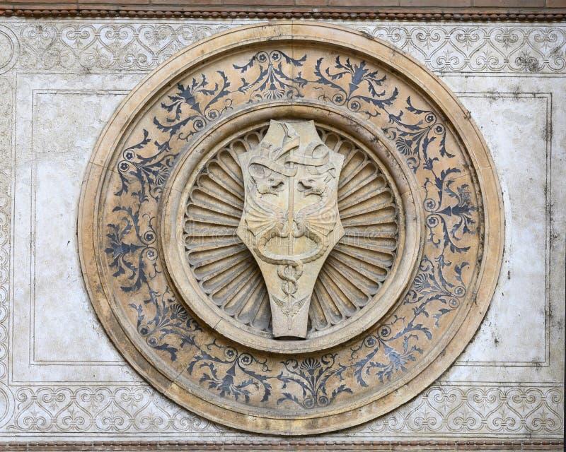Λεπτομέρειες στο εξωτερικό της εκκλησίας και της μονής της Σάντα Μαρία delle Grazie, το σπίτι του τελευταίου βραδυνού του Leonard στοκ φωτογραφίες