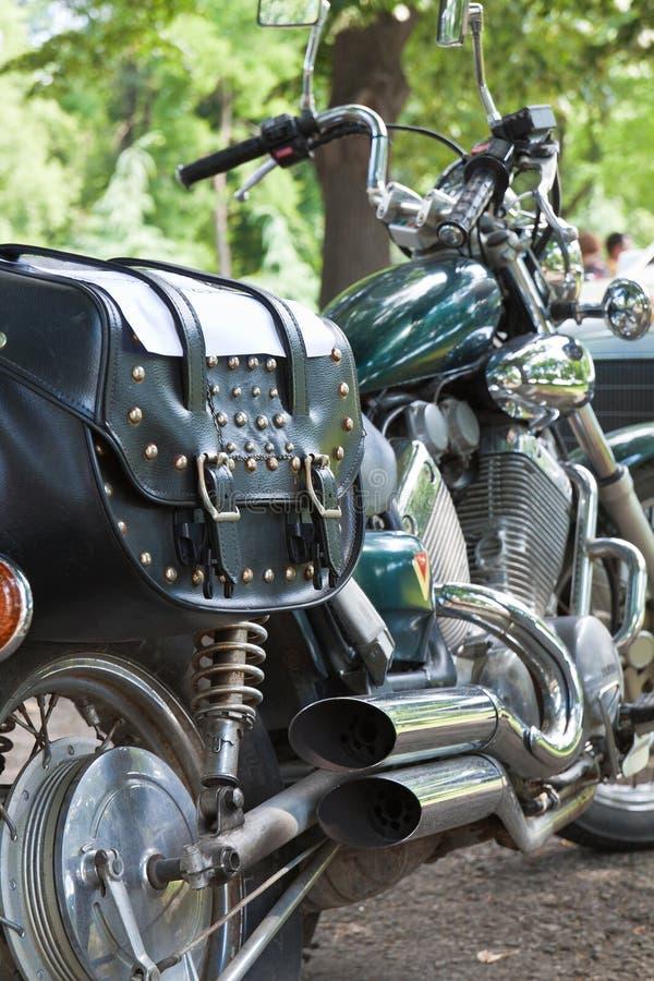 Λεπτομέρειες της άψογα διατηρημένης εκλεκτής ποιότητας κλασικής μοτοσικλέτας στοκ φωτογραφία