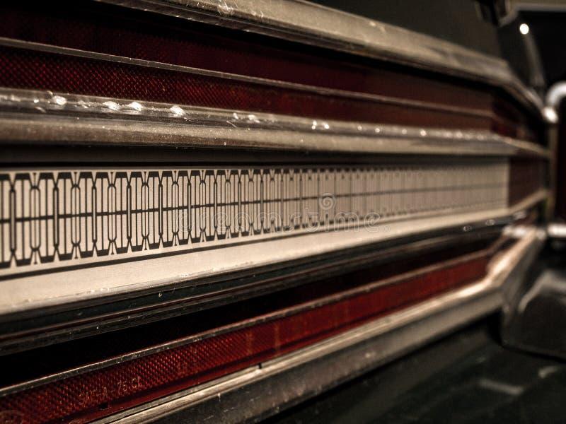 Λεπτομέρειες του παλαιού αμερικανικού αυτοκινήτου Όμορφο παλαιό χρονόμετρο στοκ φωτογραφίες