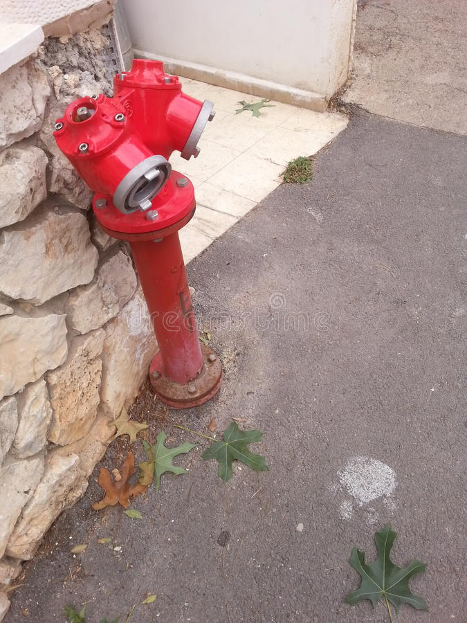 Λεπτό στόμιο υδροληψίας πυρκαγιάς στοκ εικόνες