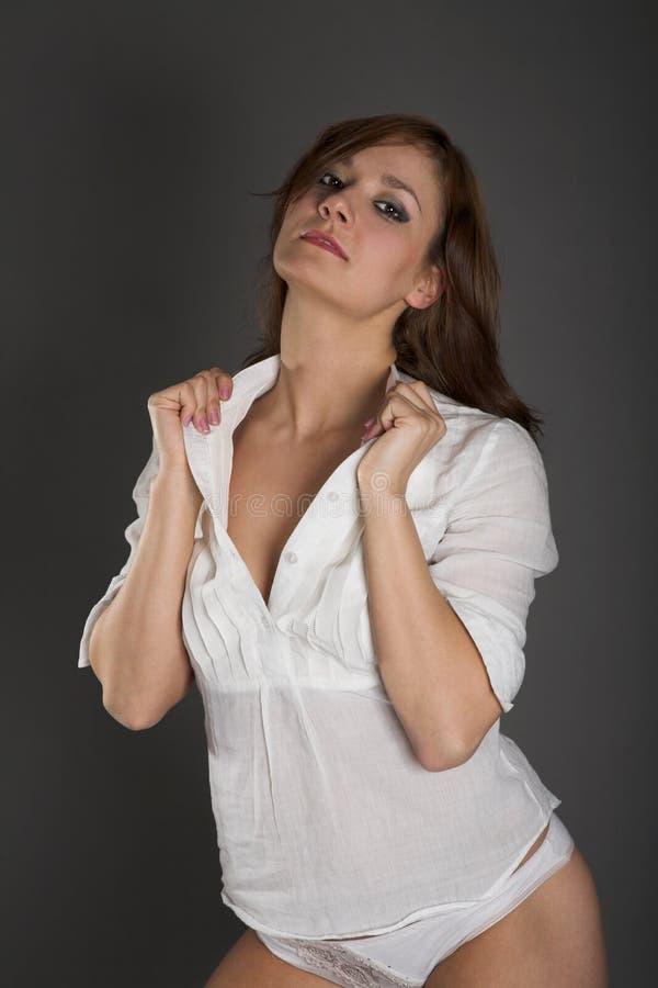 λευκή γυναίκα μπλουζών στοκ εικόνα