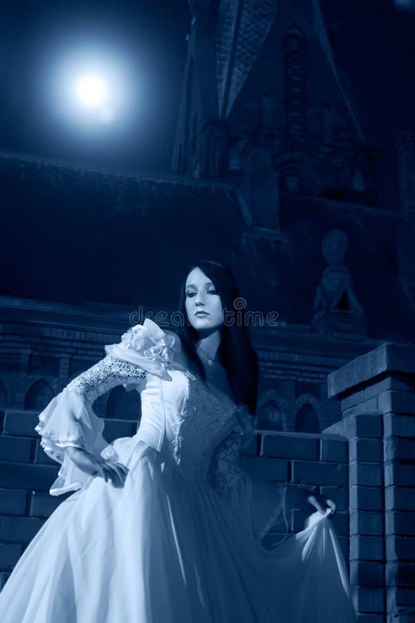 λευκή γυναίκα φορεμάτων στοκ εικόνες