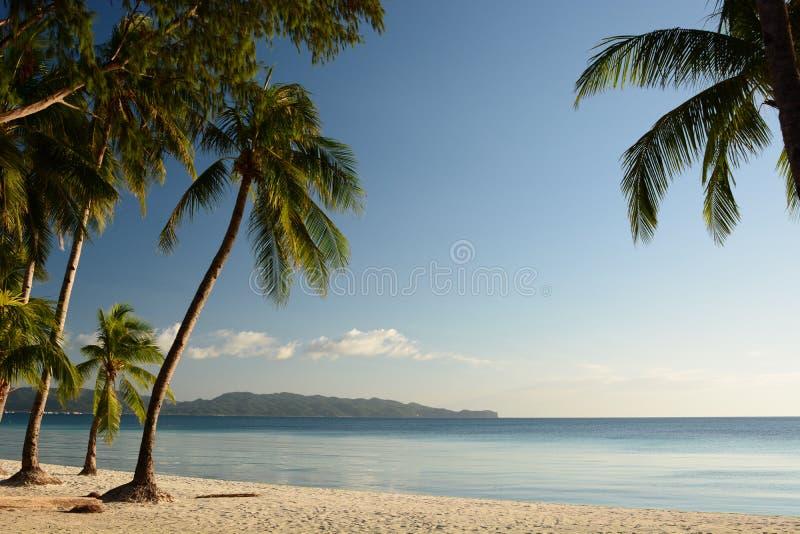 Λευκή παραλία κατά την καραντίνα του Κορονοϊός Νήσος Μπορακάι Ακλάν Δυτικές Βισάγιας Φιλιππίνες στοκ φωτογραφία με δικαίωμα ελεύθερης χρήσης
