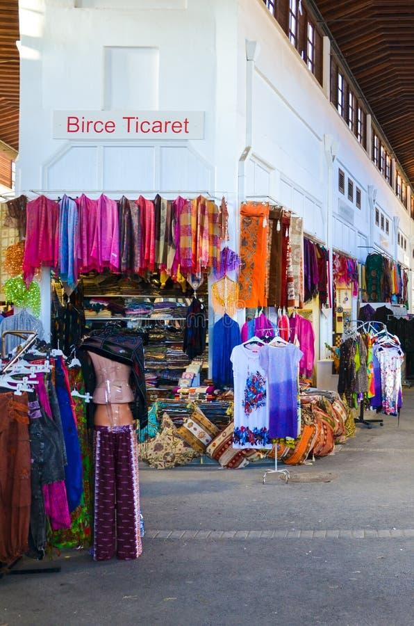 Λευκωσία, Κύπρος - 4 Οκτωβρίου 2018: Παραδοσιακή εσωτερική αγορά Belediye Pazari στο κέντρο πόλεων Καταστήματα με τα αναμνηστικά, στοκ εικόνα