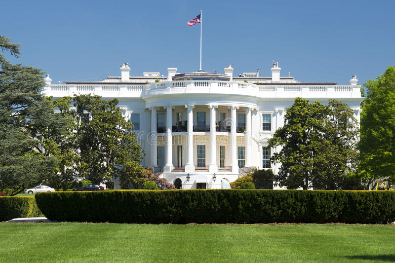 Λευκός Οίκος της Ουάσιγκτον την ηλιόλουστη ημέρα στοκ φωτογραφίες