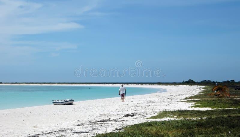 λευκό άμμου ατόμων παραλιώ στοκ φωτογραφίες με δικαίωμα ελεύθερης χρήσης
