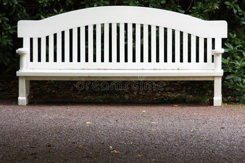 λευκό κήπων πάγκων στοκ φωτογραφίες με δικαίωμα ελεύθερης χρήσης