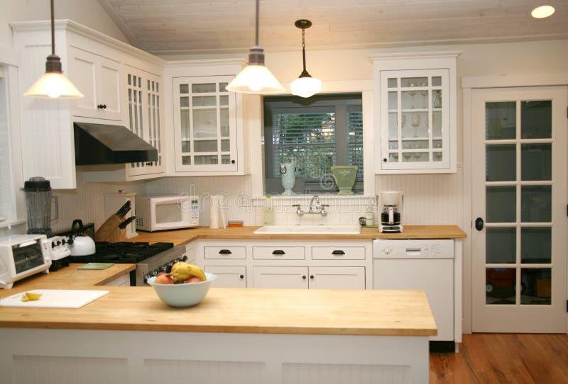 λευκό κουζινών χωρών στοκ φωτογραφία με δικαίωμα ελεύθερης χρήσης