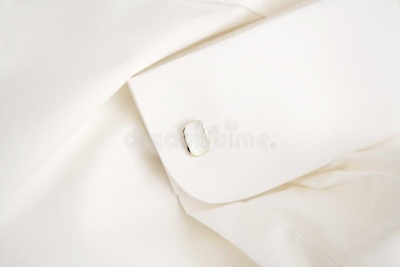 λευκό πουκάμισων μανικετοκούμπων στοκ φωτογραφία με δικαίωμα ελεύθερης χρήσης