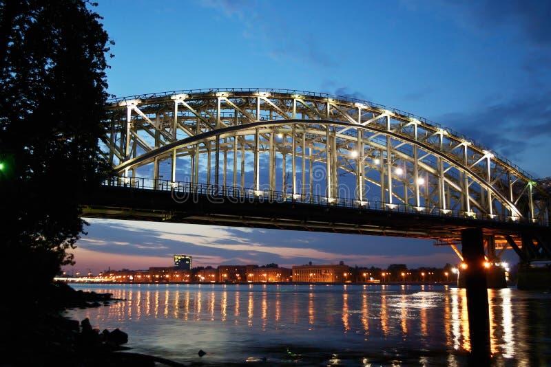 λευκό σιδηροδρόμων νύχτας της Φινλανδίας γεφυρών στοκ εικόνες