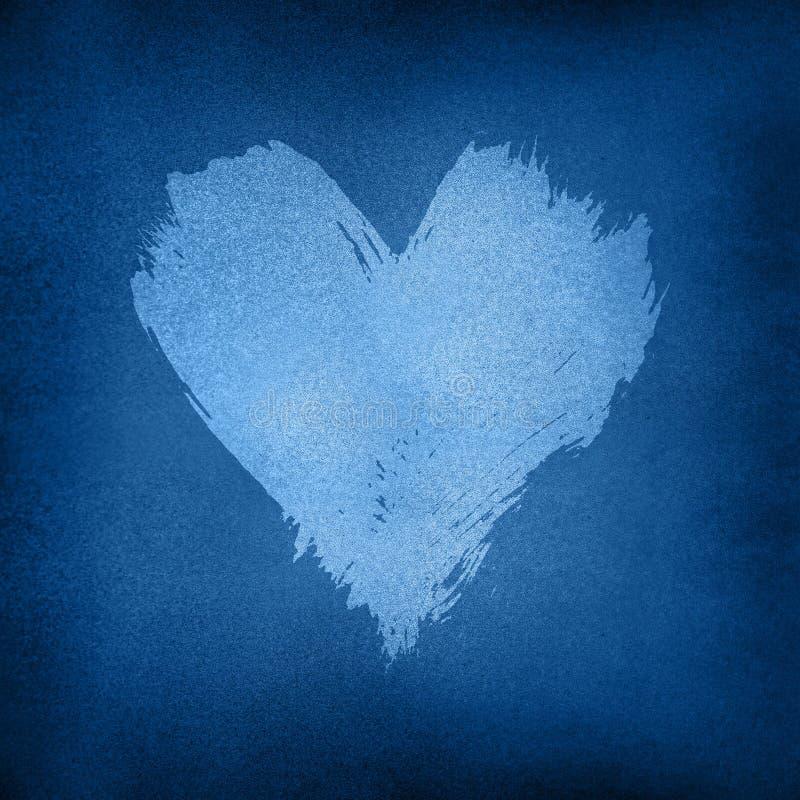Λευκό χρώμα υδατοχρωματισμένο σχήμα καρδιάς σε σκούρο μπλε στοκ φωτογραφία με δικαίωμα ελεύθερης χρήσης