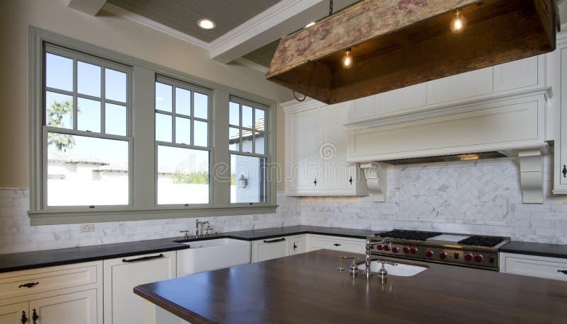 λευκό ύφους κουζινών εξ&o στοκ φωτογραφίες