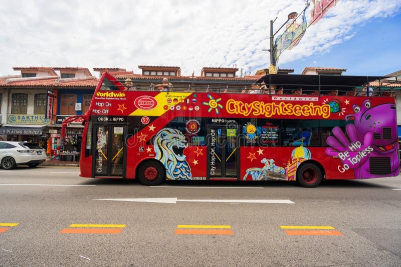 Λεωφορείο επίσκεψης πόλεων σε λίγη περιοχή της Ινδίας στη Σιγκαπούρη στοκ εικόνες