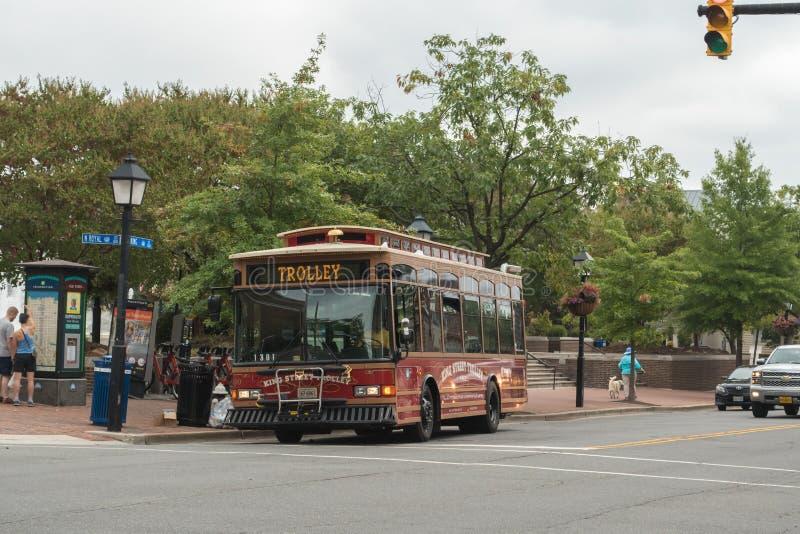 Λεωφορείο επαναλείψεων καροτσακιών στη στο κέντρο της πόλης ιστορική Αλεξάνδρεια Βιρτζίνια στοκ φωτογραφία