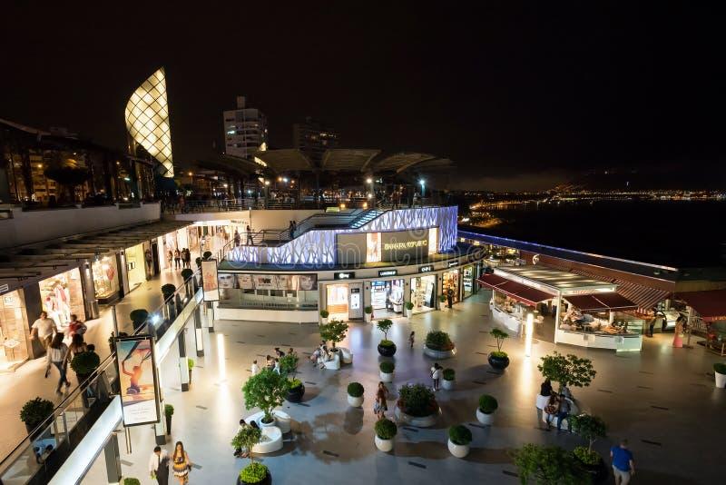 Λεωφόρος αγορών Larcomar σε Miraflores, Λίμα στοκ εικόνα