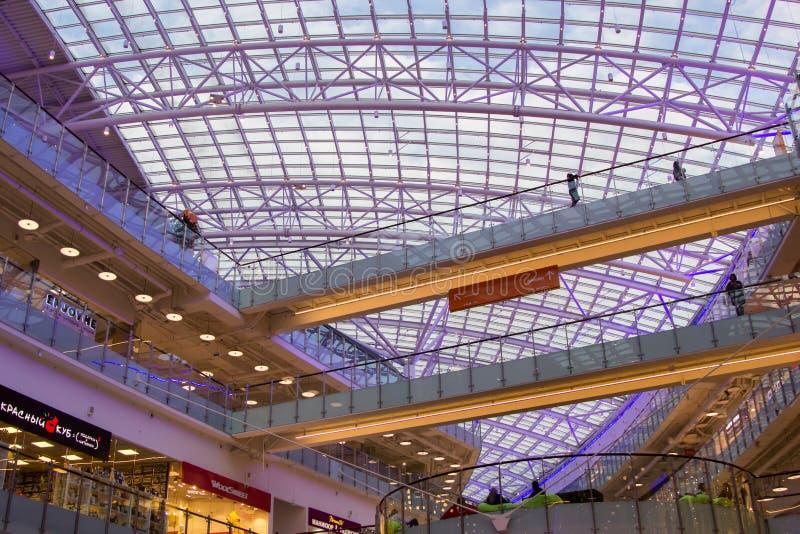 Λεωφόρος Aviapark, το μεγαλύτερο εμπορικό κέντρο στην Ευρώπη στοκ εικόνες