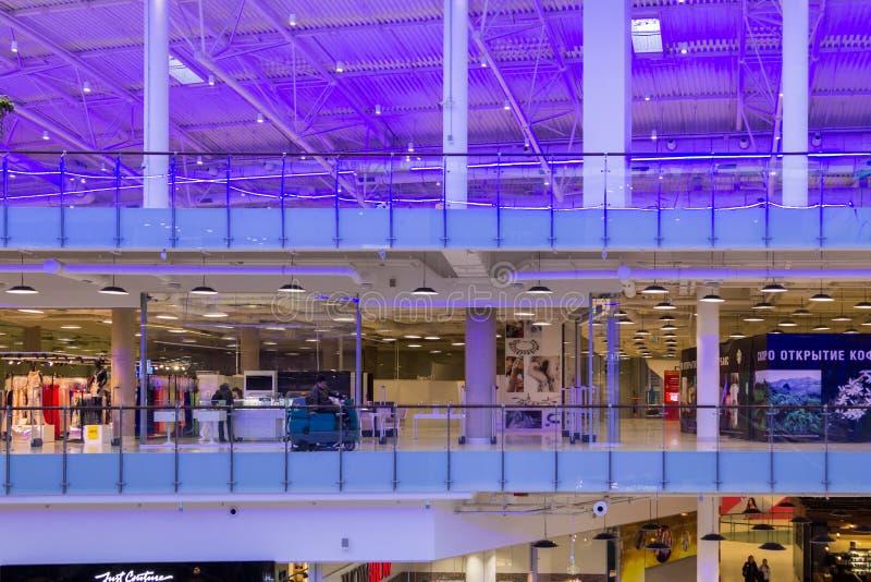 Λεωφόρος Aviapark, το μεγαλύτερο εμπορικό κέντρο στην Ευρώπη στοκ φωτογραφίες με δικαίωμα ελεύθερης χρήσης