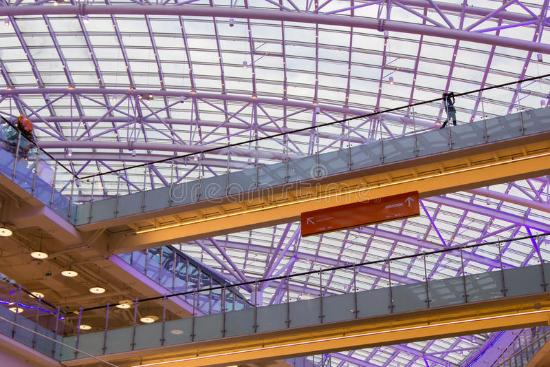 Λεωφόρος Aviapark, το μεγαλύτερο εμπορικό κέντρο στην Ευρώπη στοκ εικόνα