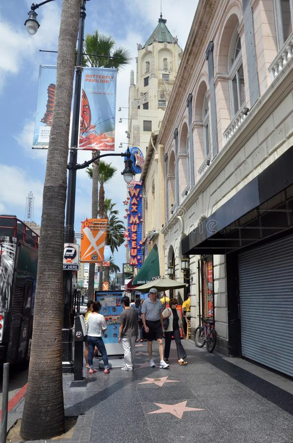 Λεωφόρος Hollywood επίσκεψης τουριστών στο Λος Άντζελες Καλιφόρνια στοκ εικόνα με δικαίωμα ελεύθερης χρήσης