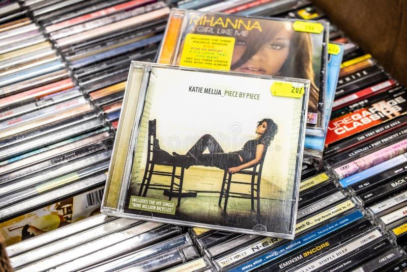 Λεύκωμα κομμάτι από το κομμάτι το 2005 του CD της Katie Melua στην επίδειξη για την πώληση, το διάσημους βρετανικός-της Γεωργίας  στοκ εικόνα με δικαίωμα ελεύθερης χρήσης
