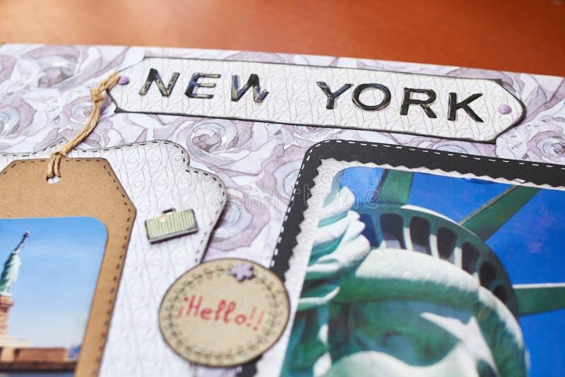 Λεύκωμα της Νέας Υόρκης Scapbook με το κατασκευασμένο έγγραφο στοκ φωτογραφίες