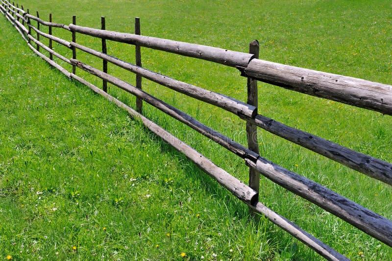λιβάδι φραγών ξύλινο στοκ φωτογραφίες με δικαίωμα ελεύθερης χρήσης
