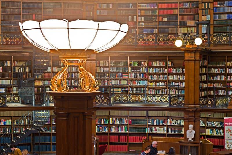 ΛΙΒΕΡΠΟΥΛ ΣΤΙΣ 16 ΙΑΝΟΥΑΡΊΟΥ 2016 Δωμάτιο ανάγνωσης Picton μέσα σε Liverpoo στοκ εικόνες