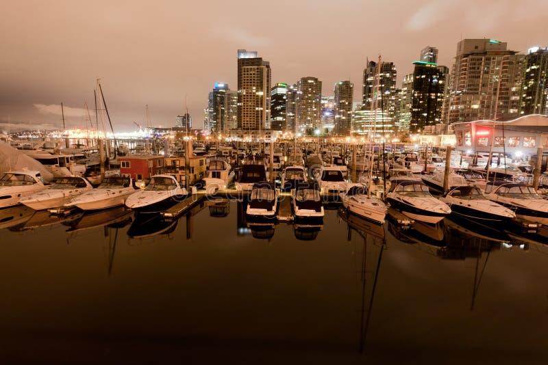 Λιμάνι και βάρκες Βανκούβερ άνθρακα στοκ εικόνες