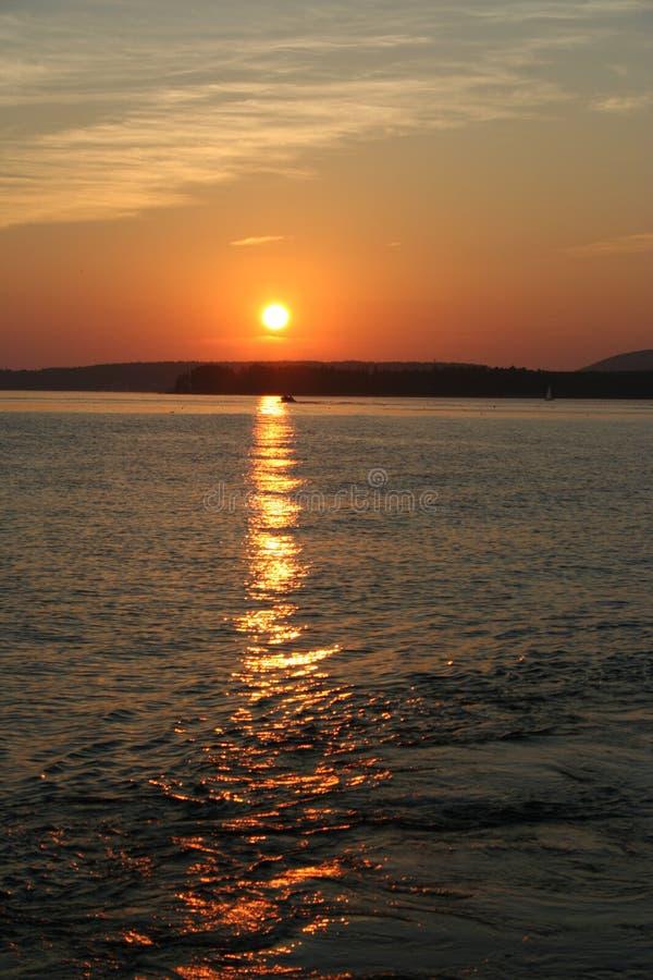 Download λιμάνι ράβδων πέρα από το ηλι&omi Στοκ Εικόνες - εικόνα από φλογερός, ήλιος: 13188834