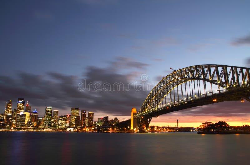λιμάνι Σύδνεϋ πόλεων γεφυρώ στοκ εικόνα με δικαίωμα ελεύθερης χρήσης