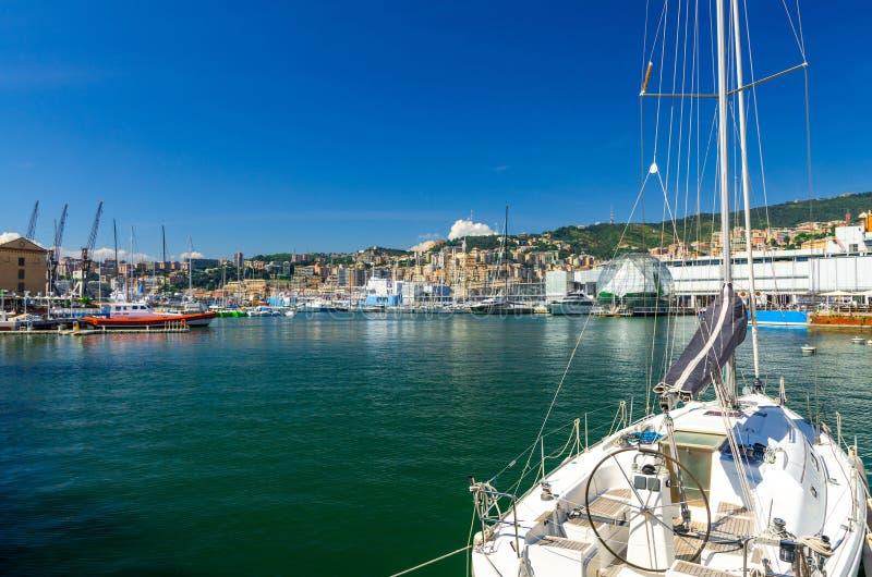 Λιμάνι του Πόρτο Antico λιμένων στο ιστορικό κέντρο της παλαιάς ευρωπαϊκής πόλης Γένοβα στοκ εικόνες με δικαίωμα ελεύθερης χρήσης