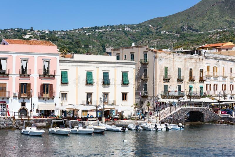 Λιμάνι Lipari στα αιολικά νησιά της Σικελίας, Ιταλία στοκ εικόνα με δικαίωμα ελεύθερης χρήσης