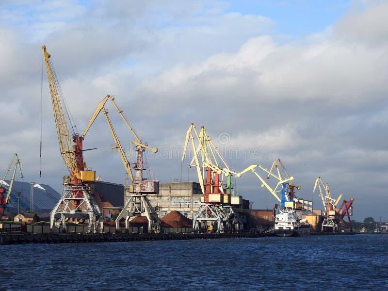 Λιμάνι Ventspils, Λετονία στοκ εικόνες