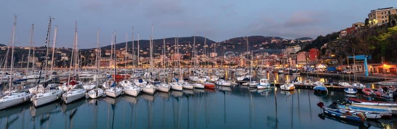 Λιμένας της πόλης Lerici στο σούρουπο - Λα Spezia Λιγυρία Ιταλία στοκ εικόνες με δικαίωμα ελεύθερης χρήσης
