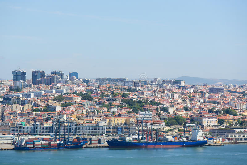 Λιμένας του ποταμού της Λισσαβώνας και Tagus στην Πορτογαλία στοκ εικόνα