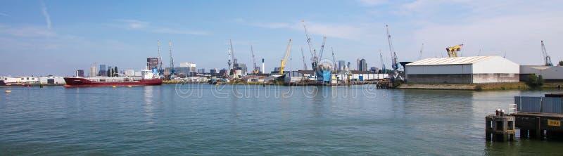 Λιμένας του Ρότερνταμ, μεγαλύτερος λιμένας στην Ευρώπη στοκ φωτογραφία με δικαίωμα ελεύθερης χρήσης
