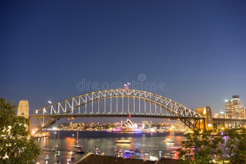 Λιμενικές γέφυρα και Όπερα του Σύδνεϋ στοκ εικόνες