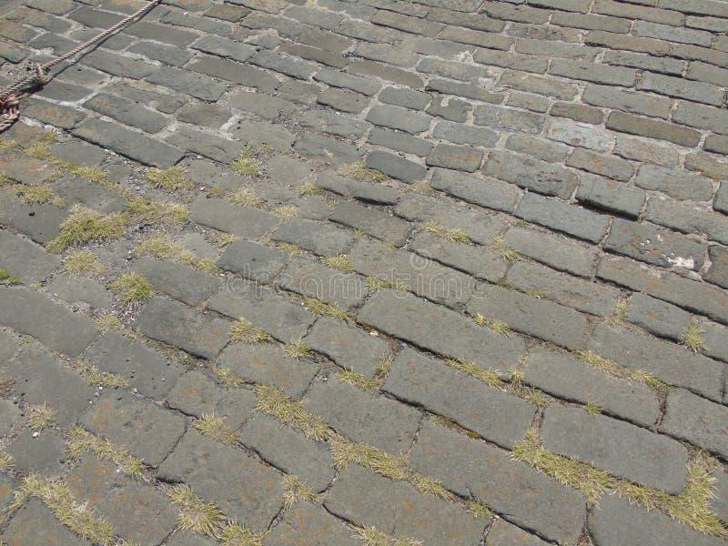 Λιμενικός δρόμος Cobbled Fife στο ψαροχώρι στοκ εικόνα με δικαίωμα ελεύθερης χρήσης