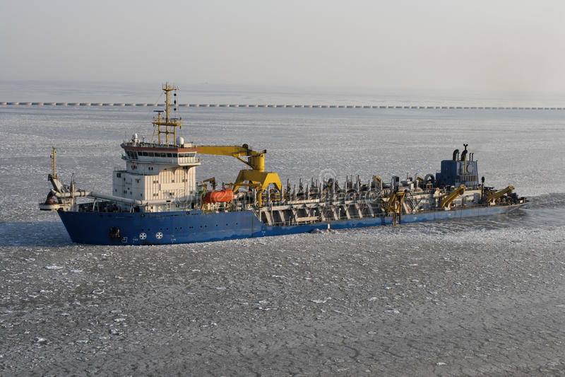 Download λιμενικό παγωμένο σκάφος &k Στοκ Εικόνα - εικόνα από θάλασσα, κρύο: 13190133