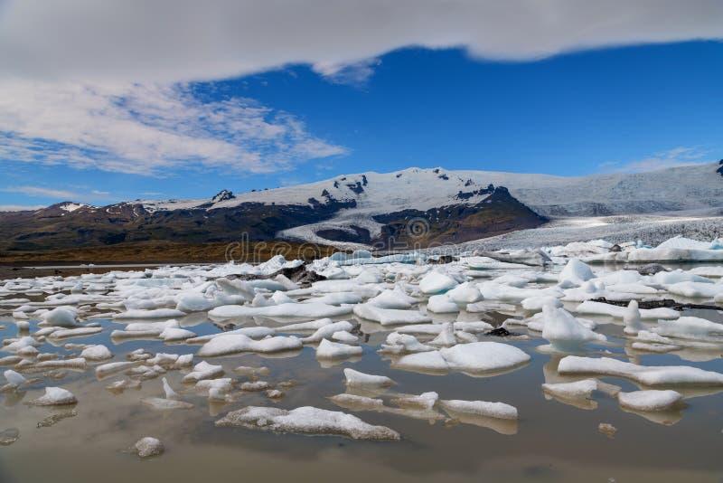 Λιμνοθάλασσα παγετώνων Fjallsarlon στη νοτιοανατολική Ισλανδία στοκ εικόνες με δικαίωμα ελεύθερης χρήσης
