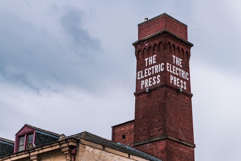 ΛΙΝΤΣ, UK - 1 ΙΟΥΝΊΟΥ 2019: Η ηλεκτρικά διάσημα καπνοδόχος και το σημάδι Τύπου στην επίδειξη στην πόλη στοκ εικόνα με δικαίωμα ελεύθερης χρήσης