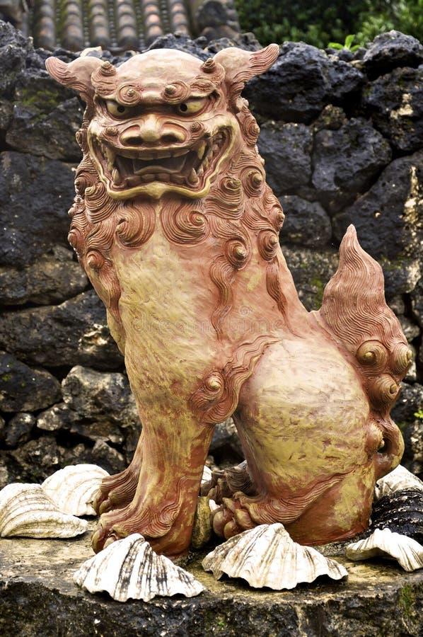 λιοντάρι okinawa στοκ εικόνες