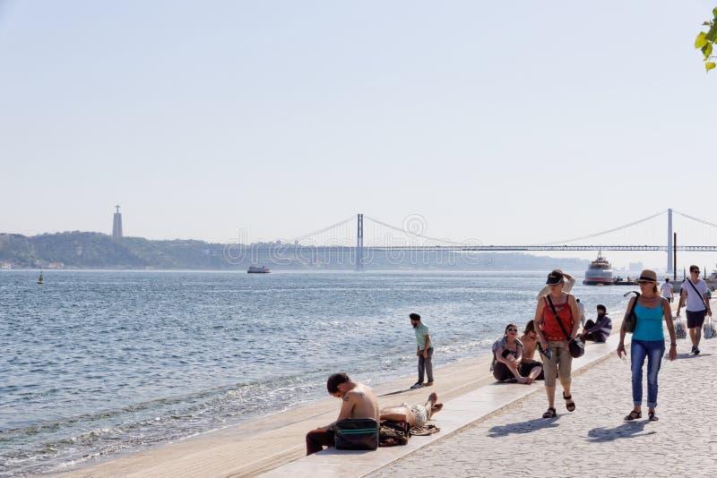 Λισσαβώνα, Πορτογαλία - 14 Μαΐου: Ribeira DAS Naus στη Λισσαβώνα στις 14 Μαΐου 2014 Ribeira DAS Naus είναι μια περιοχή όχθεων ποτ στοκ εικόνες
