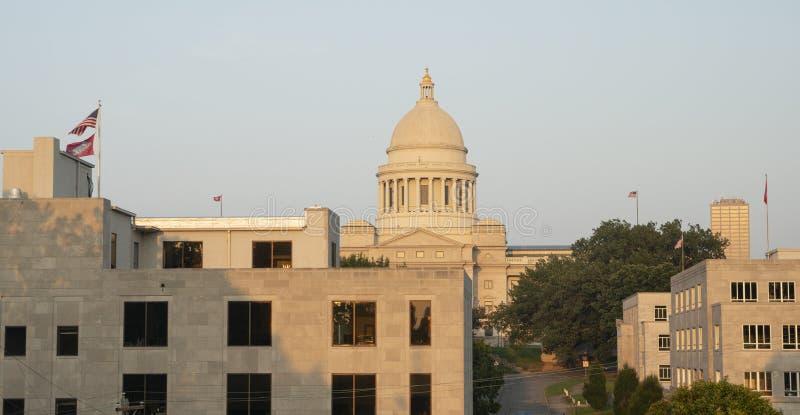 Λιτλ Ροκ Αρκάνσας ΗΠΑ κτιρίων γραφείων οικοδόμησης κρατικού Capitol στοκ εικόνα με δικαίωμα ελεύθερης χρήσης