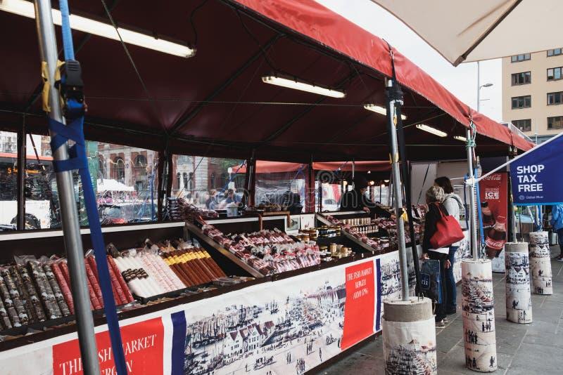 Λιχουδιές κρέατος στην αγορά ψαριών του Μπέργκεν, Νορβηγία στοκ εικόνες με δικαίωμα ελεύθερης χρήσης