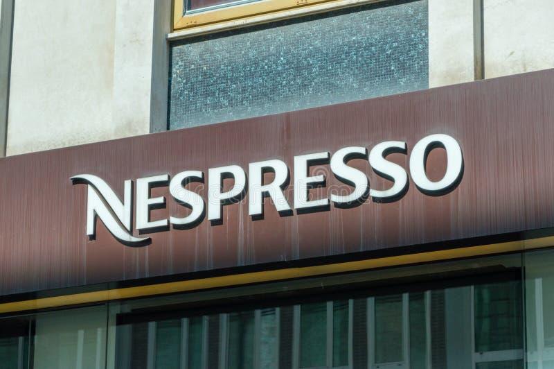 Λογότυπο και σημάδι Nespresso στοκ εικόνα